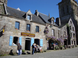 Camping Le Letty - Commerce à Locronan