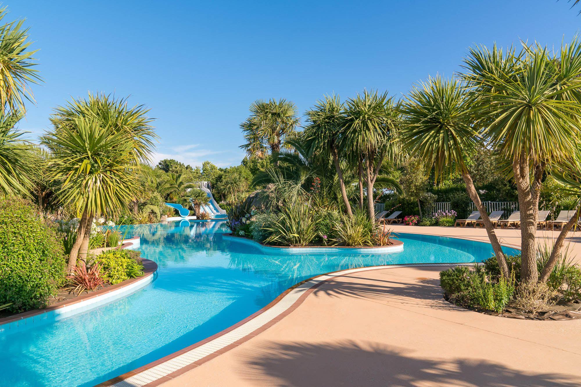 Camping bretagne avec piscine parc aquatique espace for Camping bretagne sud avec piscine couverte