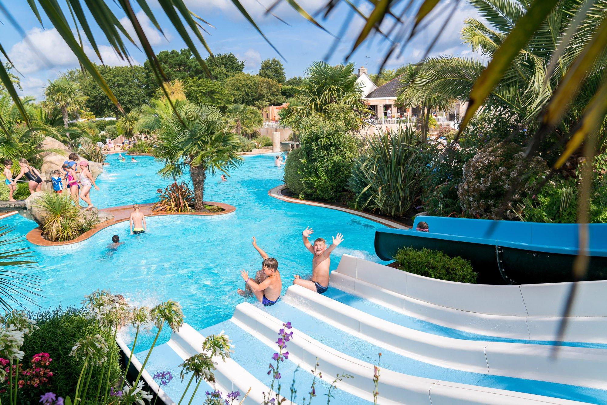 Camping bretagne avec piscine parc aquatique espace for Bretagne piscine